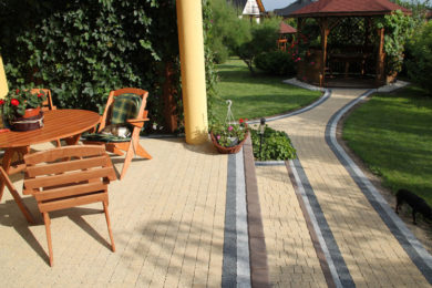 PAVERS  CEMENT WALKWAYS